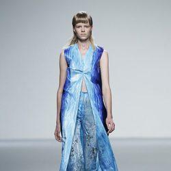 Look azul acuático de la colección primavera/verano 2014 de Martin Lamothe en Madrid Fashion Week
