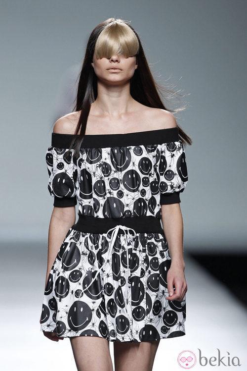 Vestido de escote barco de la colección primavera/verano 2014 de Carlos Diez en Madrid Fashion Week