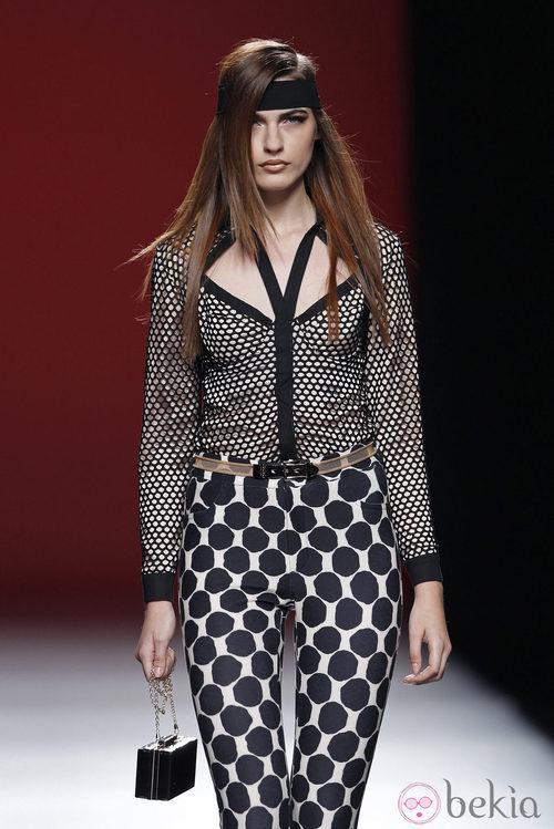 Pantalón estampado de la colección primavera/verano 2014 de María Escoté en Madrid Fashion Week
