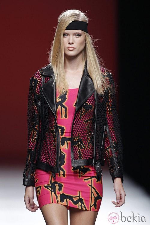 Vestido con rosa con estampado girls de la colección primavera/verano 2014 de María Escoté en Madrid Fashion Week