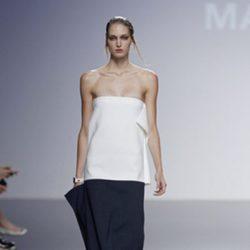 Top blanco de la colección primavera/verano 2014 de Manémané en la pasarela EGO Madrid Fashion Week