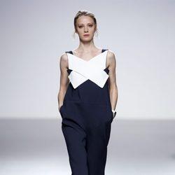 Vestido azul de la colección primavera/verano 2014 de Manémané en la pasarela EGO Madrid Fashion Week