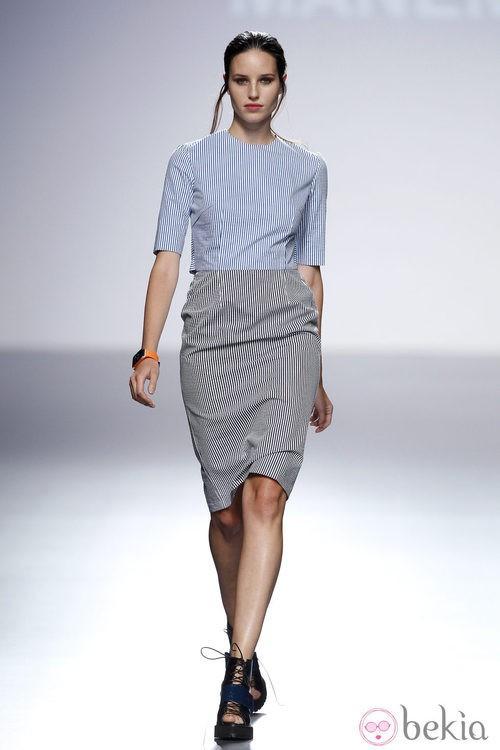 Vestido gris y azul de la colección primavera/verano 2014 de Manémané en la pasarela EGO Madrid Fashion Week