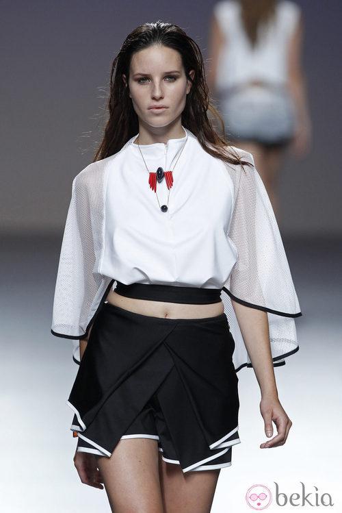 Falda de volantes de la colección primavera/verano 2014 de POL en la pasarela EGO Madrid Fashion Week