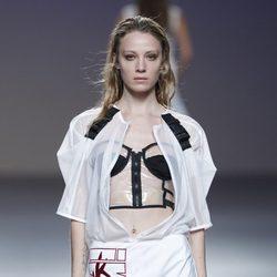 Chaqueta plástica de la colección primavera/verano 2014 de POL en la pasarela EGO Madrid Fashion Week