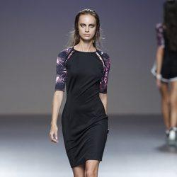 Vestido de tubo de la colección primavera/verano 2014 de POL en la pasarela EGO Madrid Fashion Week