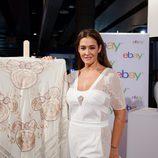 Vicky Martín Berrocal presenta el mantón de manila de la colección 'Inspired by Minnie' en Madrid Fashion Week