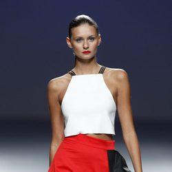 Falda naranja de la colección primavera/verano 2014 de Pepa Salazar en el EGO Madrid Fashion Week