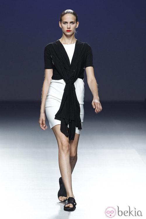 Vestido y chaqueta de la colección primavera/verano 2014 de Pepa Salazar en el EGO Madrid Fashion Week