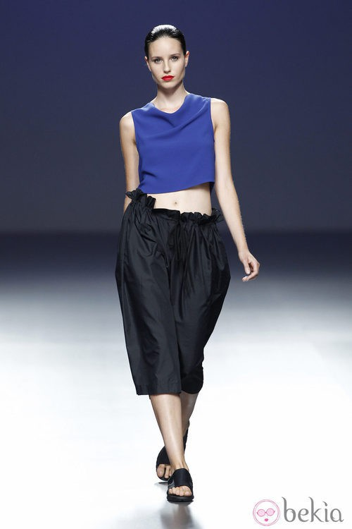 Top azul de la colección primavera/verano 2014 de Pepa Salazar en el EGO Madrid Fashion Week