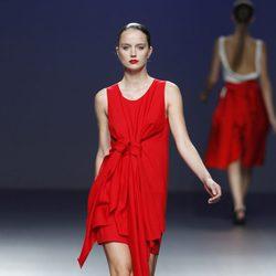 Vestido rojo de la colección primavera/verano 2014 de Pepa Salazar en el EGO Madrid Fashion Week