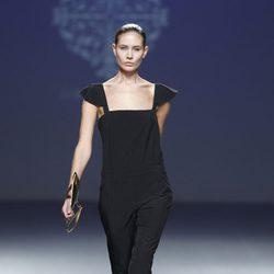 Mono de vestir de la colección primavera/verano 2014 de Lorena Saravia en el EGO Madrid Fashion Week