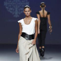Falda larga de la colección primavera/verano 2014 de Lorena Saravia en el EGO Madrid Fashion Week