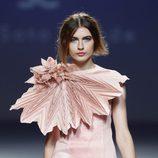 Vestido corto de la colección primavera/verano 2014 de Eva Soto Conde en el EGO Madrid Fashion Week.