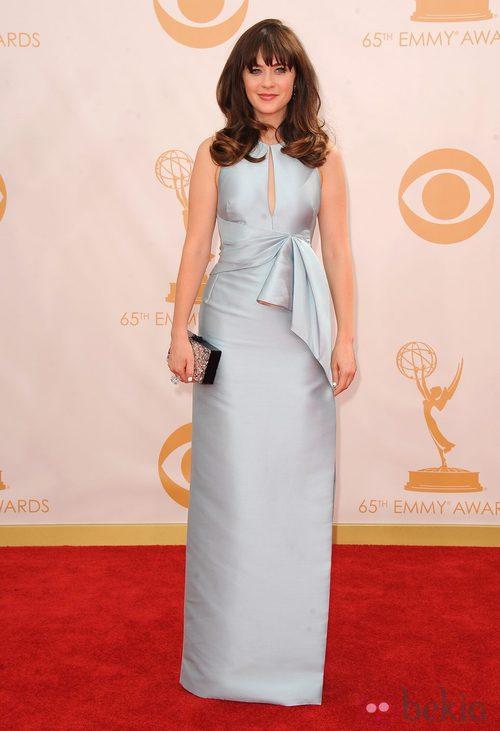 Zooey Deschanel con un vestido de J.Mendel en la alfombra roja de los premios Emmy 2013