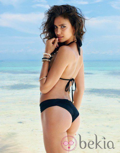 Irina Shayk con un biquini color negro de la colección verano 2014 de Beach Bunny
