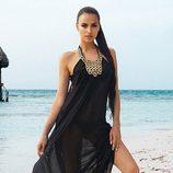 Irina Shayk con un vestido negro de la colección verano 2014 de Beach Bunny