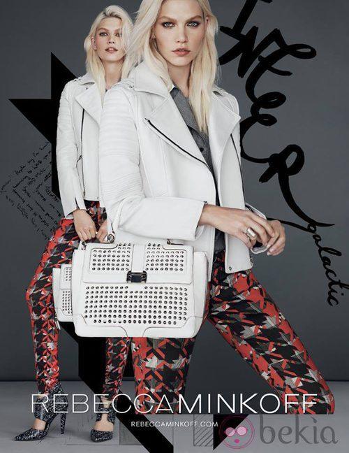 Chaqueta y bolso blancos de la colección otoño/invierno 2013/2014 de Rebecca Minkoff
