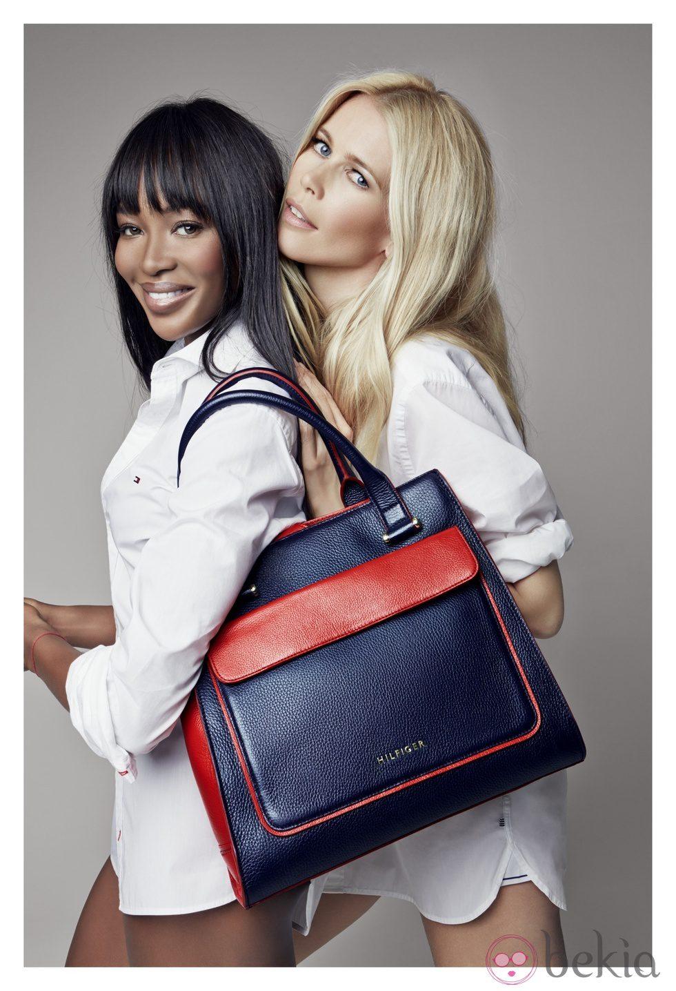 Naomi Campbell y Claudia Schiffer presentan un bolso solidario de Tommy Hilfiger