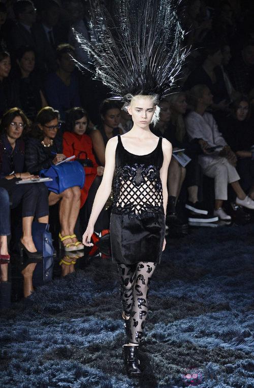 Vestido de satén de la colección primavera/verano 2014 de Louis Vuitton