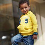 Sudadera amarilla con capucha de la colección otoño/invierno 2013 de Benetton Kids