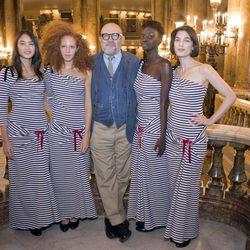 Christian Lacroix presenta su colección para Petit Bateau en la ópera de Paris