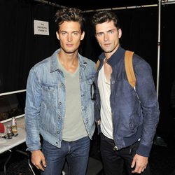 Sean O'Pry y Garrett Neff durante la Semana de la Moda de Nueva York