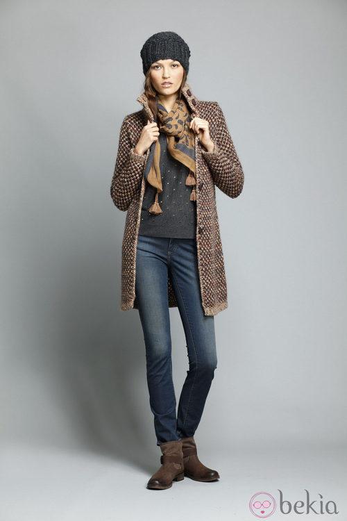 Abrigo marrón de la colección otoño/invierno 2013/2014 de Indi&Cold