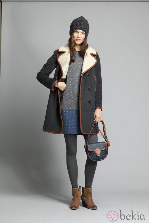 Abrigo con cuello de borreguito de la colección otoño/invierno 2013/2014 de Indi&Cold