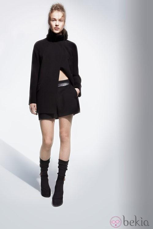 Falda negra de la colección otoño/invierno 2013/2014 de Adolfo Domínguez