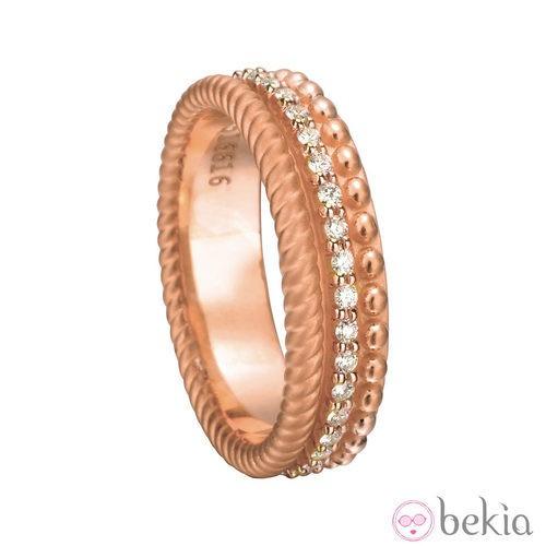 Anillo nupcial de oro rosa de la colección 'Ruedo Bridal' de Carrera y Carrera
