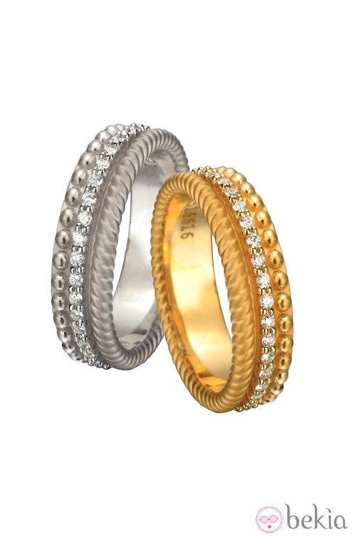 Anillos de oro blanco y amarillo de la colección 'Ruedo Bridal' de Carrera y Carrera