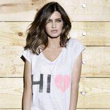 Sara Carbonero con vaqueros y camiseta de 'The Hip Tee by Sara'