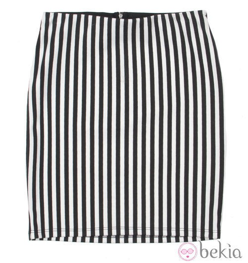 Falda de rayas de la colección cápsula de Minnie y Mickey de Bershka