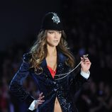 Kasia Struss durante el Victoria's Secret Fashion Show 2013
