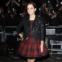 Emma Watson vestida de Alexander McQueen en los premios GQ Hombre del Año 2011