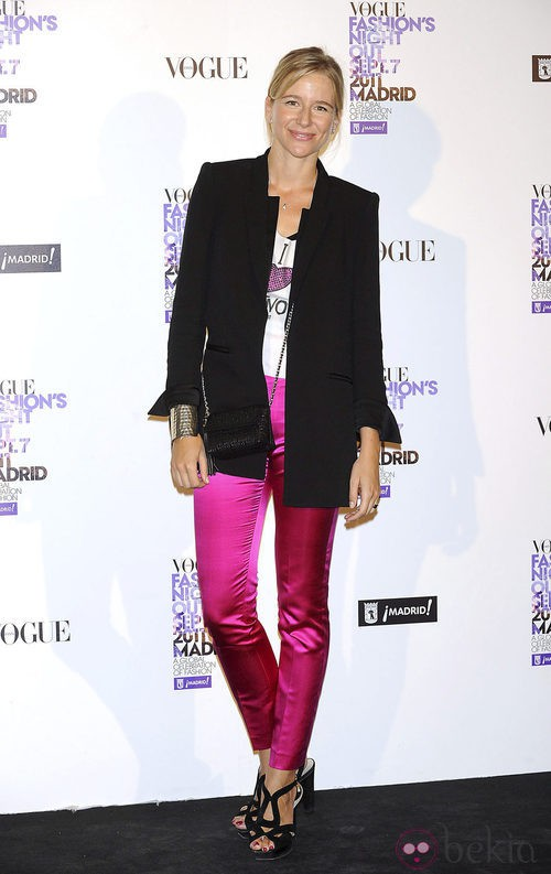 María León con pantalón rosa en la Vogue Fashion's Night Out 2011