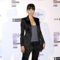 Leticia Dolera con traje de chaqueta de Burberry en la Vogue Fashion's Night Out 2011