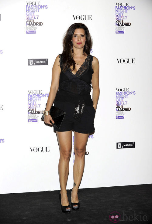 Angie Cepeda con top lencero en la Vogue Fashion's Night Out 2011