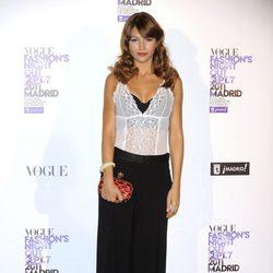 Úrsula Corberó con pantalón palazzo en la Vogue Fashion's Night Out 2011
