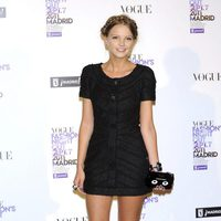 Laura Hayden con bolso de Chanel en la Vogue Fashion's Night Out 2011