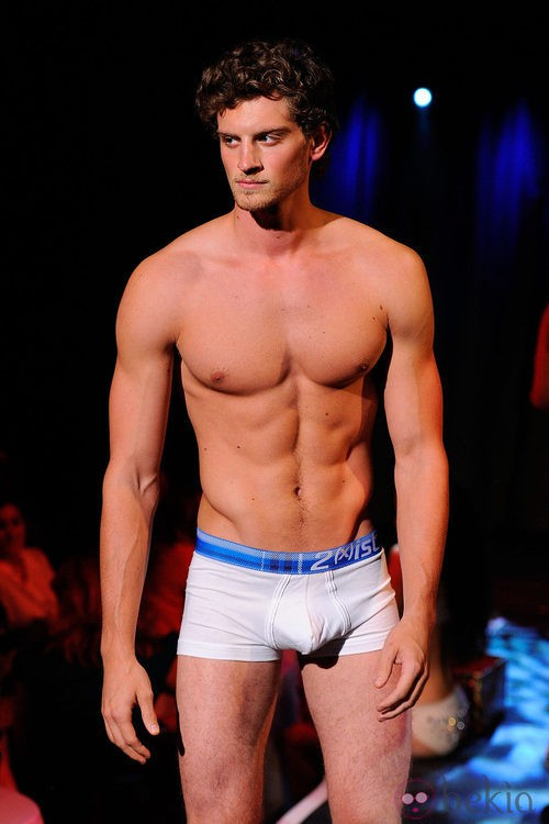 Boxer blanco con banda elástica azul de 2(X)ist para verano de 2012