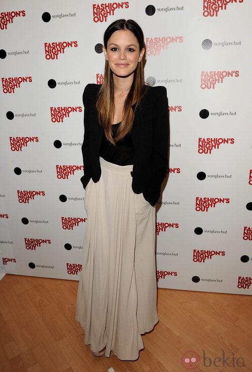 Rachel Bilson en la Vogue Fashion's Night Out 2011