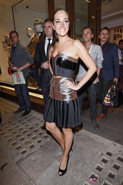Tulisa Contostavlos en la Vogue Fashion's Night Out 2011 de Londres