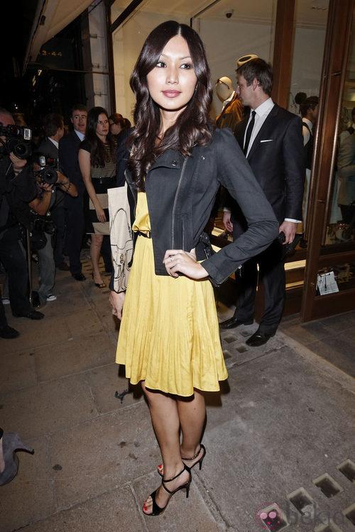 Gemma Chan en la Vogue Fashion's Night Out 2011 de Londres