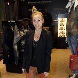 Kaley Cuoco durante la Vogue Fashion's Night Out 2011 de Beverly Hills