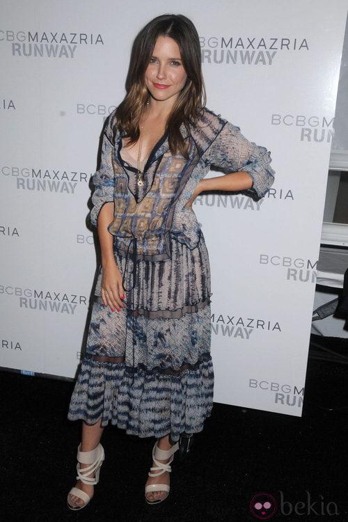 Sophia Bush en el desfile de Max Azria en Nueva York, colección primavera/verano 2012