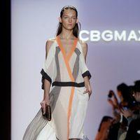 Vestido con detalles transparentes de BCBG Max Azria, colección primavera de 2012