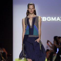 Vestido azul marino de BCBG Max Azria, colección primavera de 2012