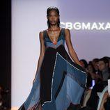 Vestido con escote pico de BCBG Max Azria, colección primavera de 2012